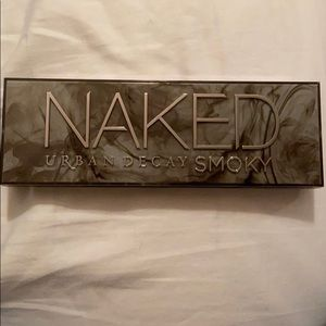 NEW Urban Decay SMOKY Palette